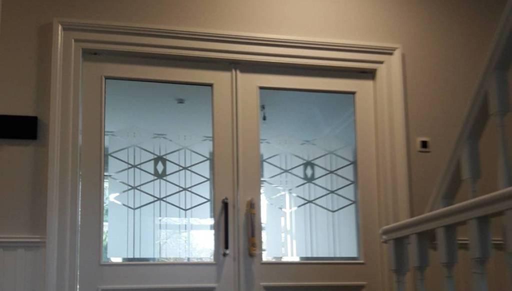 Binnendeuren met etslglas Geldersch Glasbedrijf